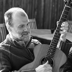 a.j.lucas-luthier-portrait-photo